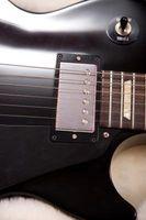 Hur man rengör Chrome på en gitarr