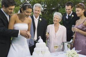 Vad är uppgifter brudgummens moster & farbror?
