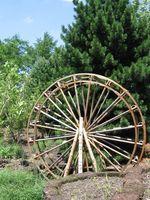 Hur att beräkna effektiviteten av ett vattenhjul