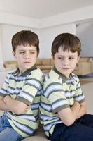 Hur man undervisar syskon att få längs