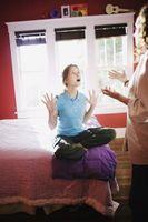 Hur man kan förbättra det trotsiga beteendet av tonåringar