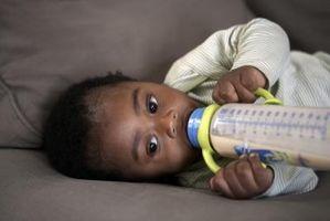Glasflaskor vs. plastflaskor för spädbarn