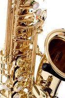 Hur att reparera en tenorsaxofon