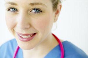 Vad krävs för att bli certifierad spädbarn sjuksköterska?