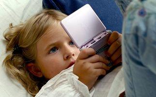 Hur man använder ett Nintendo DS brand kort