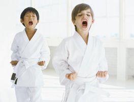 Spel & aktiviteter för att hålla barnen säkra