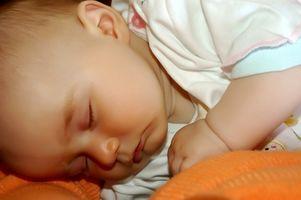 Hur man undervisar en ett-årig bebis att sova längre