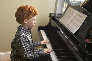 Hur man gör en ciss-moll skala på Piano