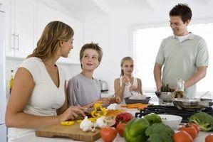 Hur att hålla barnen upptagna samtidigt göra middag