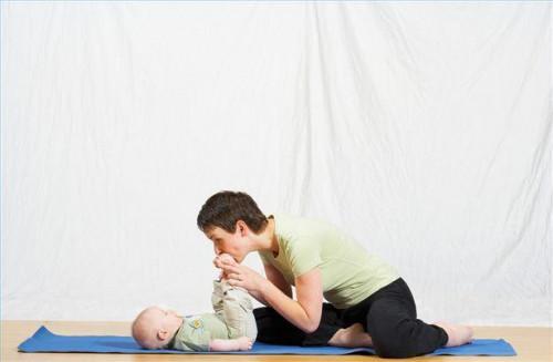 Hur man delta i en Baby yogaklass