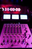 Typer av DJ MIDI-Controllers