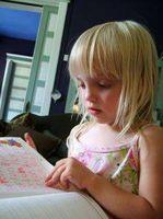 Hur man gör en upptagen bok för ett litet barn