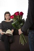 Ett romantiskt sätt att ge blommor