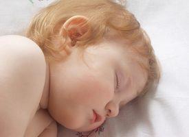 Hur man får ett äldre barn att sova på sina egna
